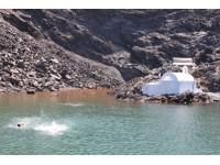 Morning boat trip at the Volcano & Hot Spring